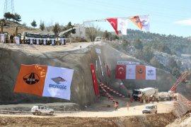 Bakan Arslan, Sertavul Tüneli ve Medreselik Viyadüğü'nün temelini attı