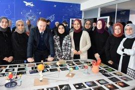 Geleceğin Gökbilimci Kızları İçin AstroSTEM Atölyesi Kuruldu