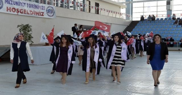 Kmü Sağlık Hizmetleri Meslek Yüksekokulunda Mezuniyet Töreni Yapıldı