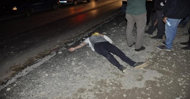 Konyada Otomobil Kum Yığınına Çarptı: 6 Yaralı
