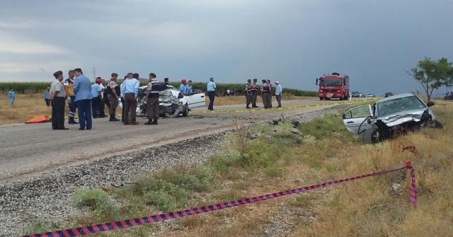 Karamanda Feci Kaza: 6 Ölü, 4 Yaralı
