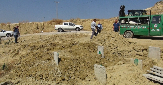 Teröristin Cenazesi Sahip Çıkan Olmayınca Kimsesizler Mezarlığına Gömüldü