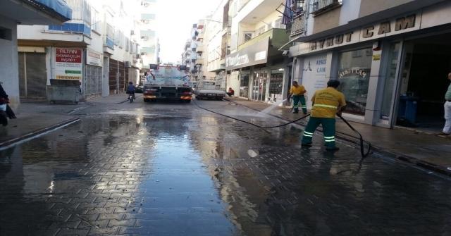 Akdenizde İş Yeri Yanan Vatandaşa Maddi Yardım