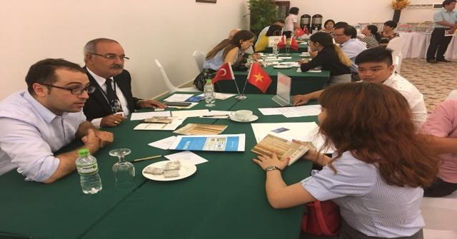 Mersin Ve Adananın Kereste Ve Palet Firmaları Vietnamda İş Görüşmeleri Yaptı