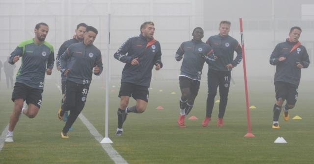 Atiker Konyaspor Sis Altında Çalıştı