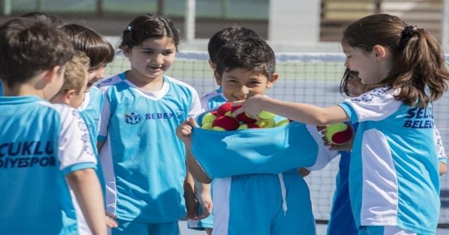 Selçukluda Kış Spor Okulları Büyük İlgi Görüyor