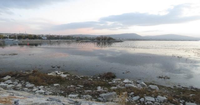 Beyşehir Gölünde Su Seviyesi Düşünce Küçük Adacıklar Ortaya Çıktı