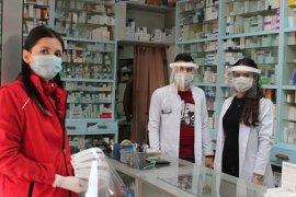 Gençlik Ve Spor İl Müdürlüğü Vatandaşa Siperlik Maske Dağıttı