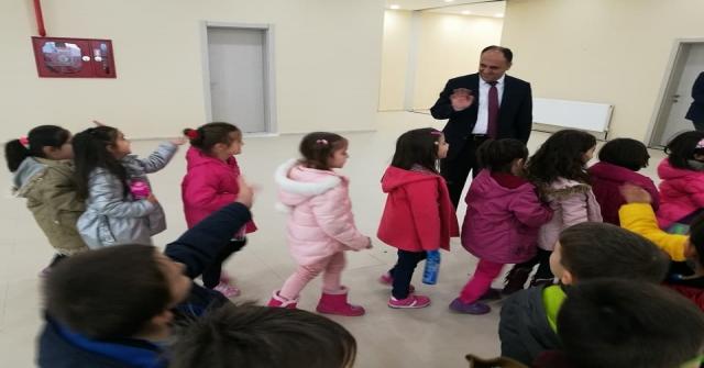 """Beyşehirde """"Kırmızı Başlıklı Kız"""" Sahnelendi"""