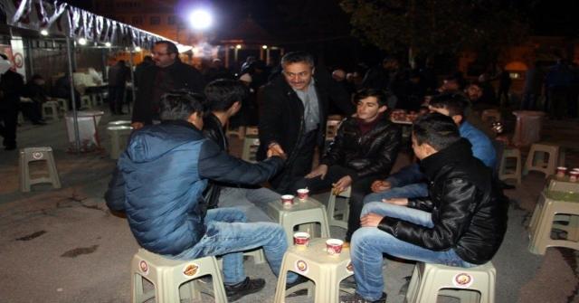Başkan Tutal, Mevlid Kandilinde Vatandaşlarla Buluştu