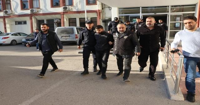 Üniversiteli Zelali Minibüsten Kaçıranlar Adliyeye Sevk Edildi