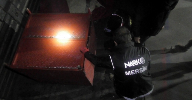 Kamyondaki Özel Dolaptan 164 Kilo Esrar Çıktı