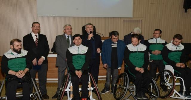 Büyükşehirden Tekerlekli Sandalye Basketbol Takımına Destek