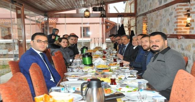 Başkan Akkaya Gazetecilerle Buluştu