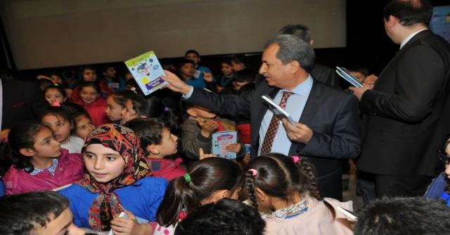 Akşehir Belediyesinden 55 Bin Liralık Kitap Desteği