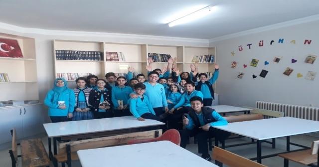 Mersin Barosundan Gaziantepteki Öğrencilere Kitap Bağışı