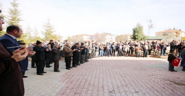 Beyşehirde Cuma Namazı Çıkışında Afrin Şehitleri İçin Dua