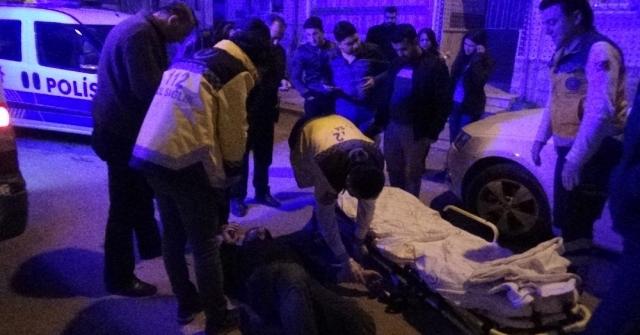 Karamanda Bir Kişi, Yol Ortasında Kanlar İçinde Yaralı Olarak Bulundu