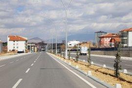 Şehrin Dört Yanında Peyzaj Düzenlemeleri Devam Ediyor