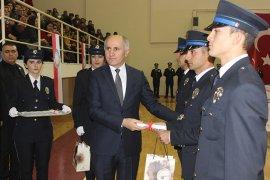 Polis adayları mezun oldu