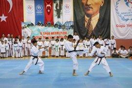 Karaman'da İl Spor Merkezleri Törenle Açıldı