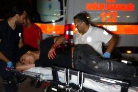 Bıçaklanan iki kardeş kanlar içinde yerde kaldı