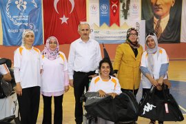 Karaman'da Engelli Bireylere Spor Malzemesi Dağıtıldı