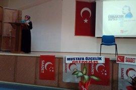 Saadet Partisi Kadın Kolları Necmeddin Erbakanı Anma  programı düzenledi.