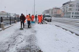 Belediye Kar Yağışıyla Birlikte Sahaya İndi