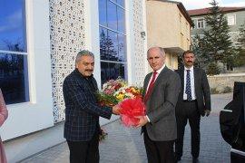 Vali Fahri Meral Başkan  Recep MUĞLU'yu ziyaret etti