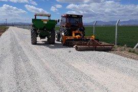 Köy Ve Mahalle Arazi Yolları Hızla Yapılmaya Devam Ediyor