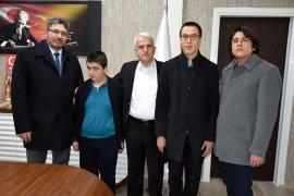 Engel Tanımayan Öğrencilerden Kuntoğlu'na Ziyaret