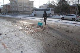 Karaman Belediyesi Kar Yağışına Anında Müdahale Etti