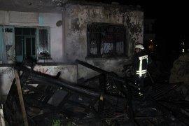 8 Kişilik Afgan Ailenin Kaldığı Evde Çıkan Yangın Korkuttu