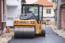 Asfalt Çalışmaları Kırbağı Mahallesi'nde