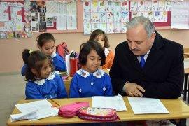 Kuntoğlu'nun Köy Okullarına Ziyaretleri Devam Ediyor