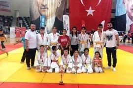 Karaman Judo Takımı,Judo turnuvasında  2'nci oldu.