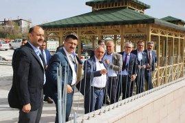 Niğde Valis Karaman Belediyesi'ni Ziyaret Etti