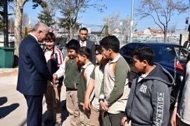 Vali Meral'den İmam Hatip Ortaokuluna Ziyaret