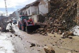 Karaman'da İstinat Duvarı Çöktü