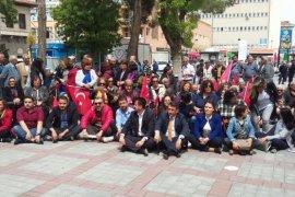 CHP Oturma eylemi yaptı.