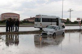 Karaman'da sağanak yağış kazalara neden oldu: 3 yaralı