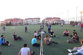 Karaman'da KYK'lı Gençler 'Engelliler Haftası'nı Unutmadı