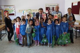 Sarıveliler MHP'den Daran Köyü'ndeki öğrencilere yardım