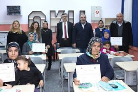 Türkçe Okuma -Yazma Kursu Sertifikaları Dağıtıldı
