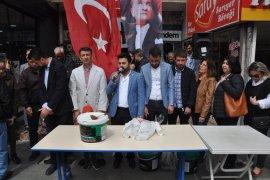CHP Vatandaşlara Hoşaf dağıttı