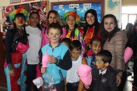 KMÜ Öğrencilerinden Berendi Köyü'nde Çocuk Şenliği