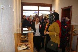 Kadınlar Gününe Özel El Sanatları Sergisi açıldı