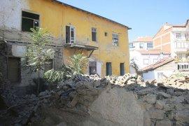 Metruk Binalar Tespit Edilip Yıkılıyor