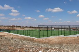 Kazımkarabekir İlçe Futbol Sahasında Çalışmalar Devam Ediyor
